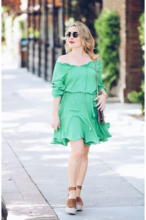 green peasant StyleWe dress - brown wedges Marc Fisher shoes