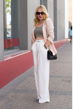 light pink oversized Zara blazer - black cross body Rebecca Minkoff bag