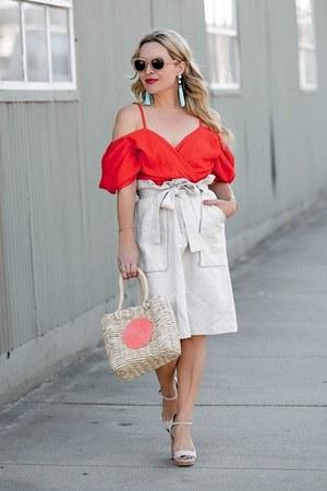 red off shoulder storets top - beige high waisted H&M skirt