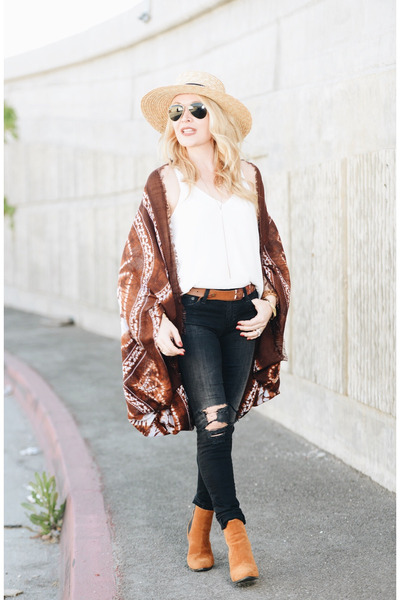 brown kimono Bare Anthology cardigan - black skinny AG Jeans jeans