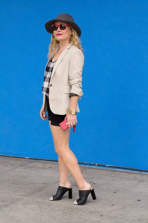 black cut offs J Brand shorts - eggshell Zara blazer