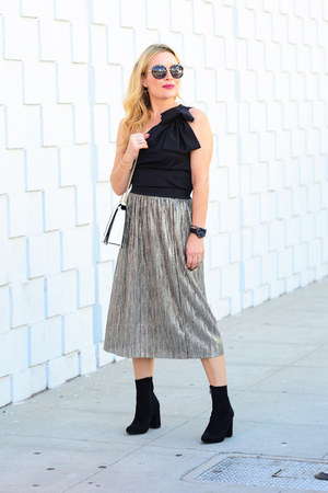black one shoulder Dezzal top - dark khaki metallic Oasis skirt