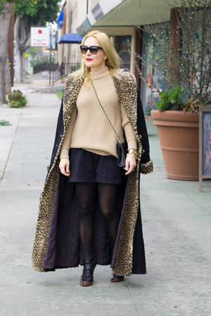 black duster Betsey Johnson coat - camel chunky Zara sweater