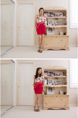 red f21 skirt - black f21 wedges - salmon f21 belt