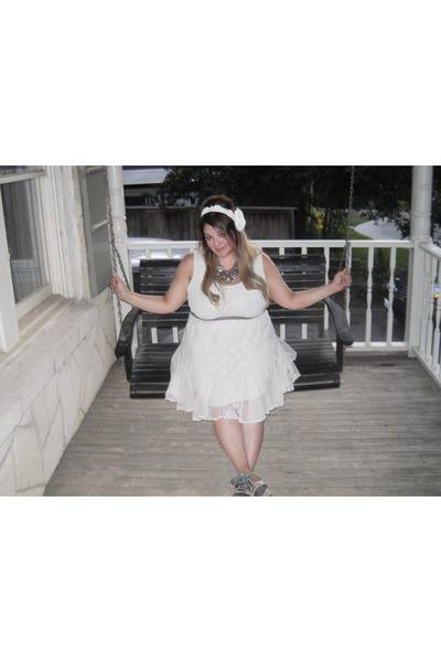 Kenzie shoes - lace dress dress - accessories - necklace
