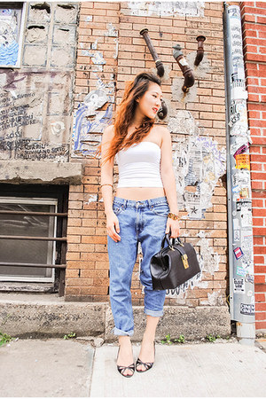 boyfriend jeans Levis - thrifted vintage - white tube top Express - BCBG