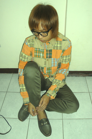 Izzue shirt - green Uniqlo pants - green Gucci shoes