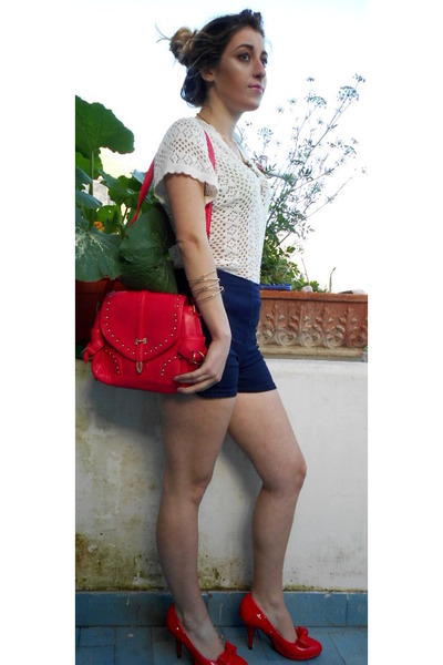 red gold studs OASAP bag - white knit Tally Weijl shirt