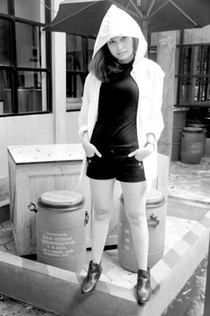 black leather Zara boots - black denim shorts H&M shorts