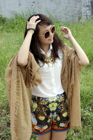 camel Esprit scarf - blue D&G shorts