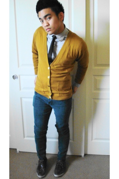 sweater - H&M tie - Hot Topic jeans - Aldo shoes
