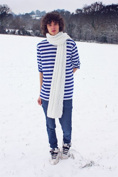blue STRIPY BLUE&WHITE t-shirt - white OVERSIZE scarf - blue Molly jeans - white