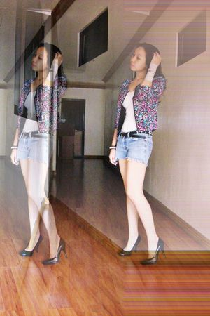 pink floral cotton on jacket - blue American Eagle shorts