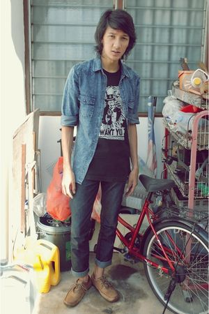 black volcom t-shirt - blue Topman shirt - no brand jeans - Clarks shoes