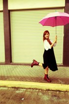 UMBRELLA accessories - Dr Martens boots - vintage jumper - Gap t-shirt
