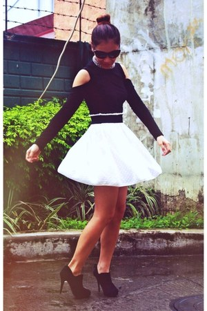 hk closet skirt - Mr&Mrs boots - Forever 21 top