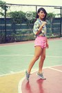 Bubble-gum-forever21-shorts-white-hawaiian-top-heather-gray-nike-sneakers