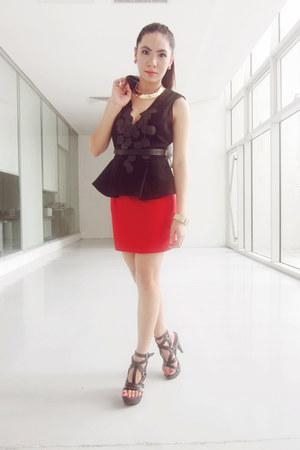 vest - skirt - heels