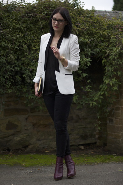 special price for 2019 best sell shades of White Blazers, Maroon Boots, Black Jeans  