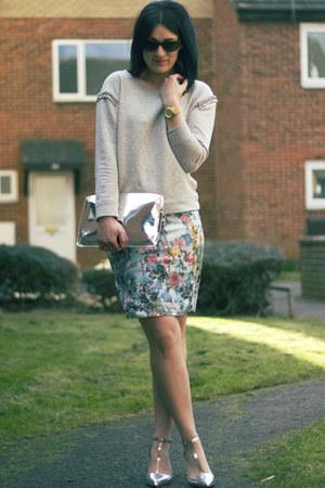 H&M skirt - Zara bag - Zara heels - Zara sweatshirt