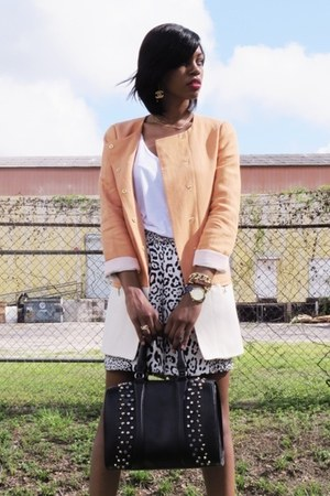 orange oversized Zara blazer - black bermudas Zara shorts