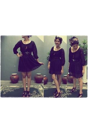 black dress - brown scarf - black