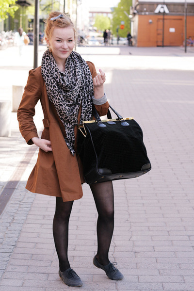 brogue Topshop shoes - bow back 2hand coat - leopard H&M but 2hand scarf - docto