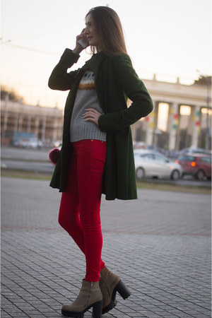 ruby red Mango jeans - dark green idaLaida coat - crimson Mango bag