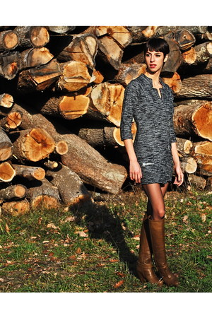 gray Isabel Marant dress - army green VANESSA BRUNO boots