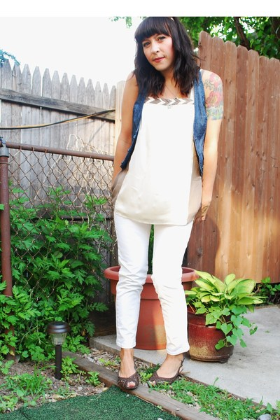 Levis jeans - kensie top - forever 21 vest - payless shorts