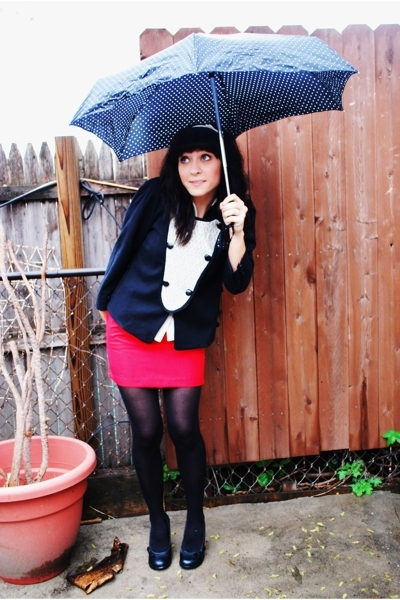 thrifted skirt - mayle jacket - H &amp;M tights - le chateau shoes