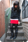 Red-vintage-skirt-gray-f21-sweater-black-vintage-boots