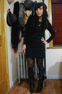Black-vintage-boots-black-kensie-dress-black-f21-tights-yellow-hue-tights-