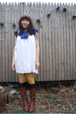 white mac&jac dress - gold aa tights - blue thrifted blouse - brown 8020 boots