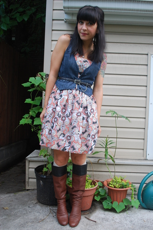 kensiegirl dress - forever 21 vest - vintage belt - 8020 boots - forever 21 sock