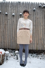 Beige-thrifted-skirt-white-thrifted-sweater-silver-hue-tights