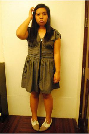 zipped up Pink Manila dress - flat oxfords ichigo shoes