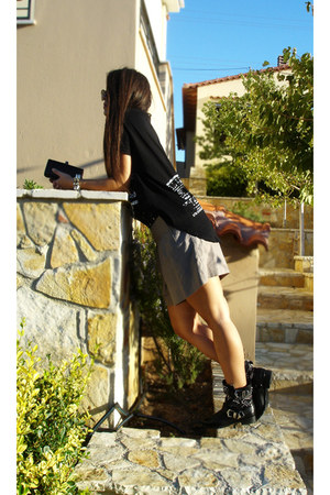 studded Zara boots - Toi & Moi shorts - Athens FNO t-shirt t-shirt