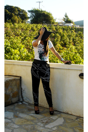 black Toi & Moi pants - white Pinko top - black Zara heels