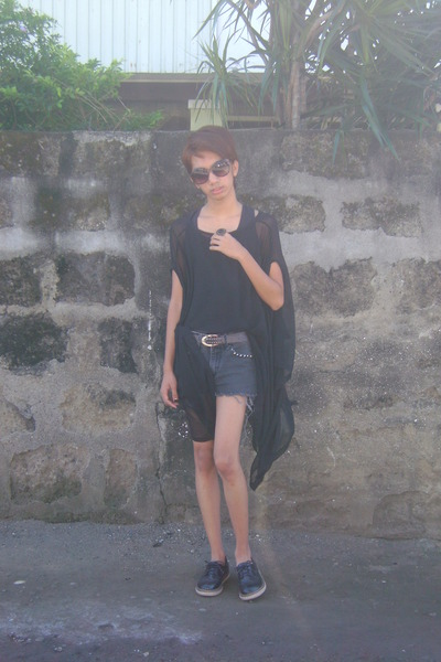 vintage shoes Primadonna shoes - studded shorts - leopard print sunglasses