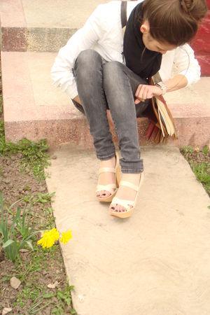 beige JLo shoes - gray Zara jeans - black scarf - white top - beige Accessorize