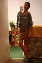 mustard BCBG skirt - grey raglan American Apparel sweatshirt