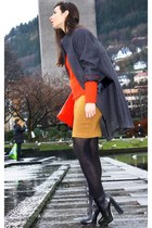 carrot orange By Malene Birger sweater - black Alexander Wang boots