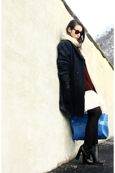 black wang boots - white H&amp;M dress - navy D&amp;G coat