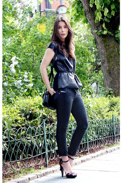 black H&M Trend top - dark gray Diesel jeans - black Burberry heels