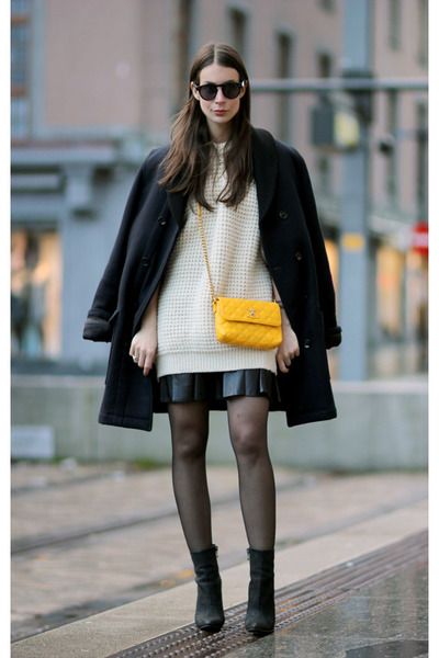 black Givenchy skirt - ivory vintage sweater - black acne heels