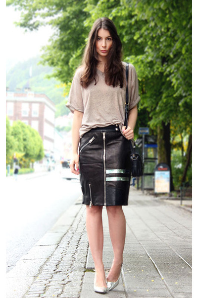 black acne skirt - brown whyred t-shirt - silver Zara heels