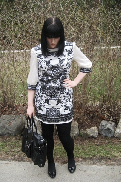 Urban Behaviour dress - H&M tights - predictions shoes - random purse