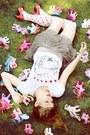 Light-pink-forever-21-socks-white-hearts-prints-zara-t-shirt