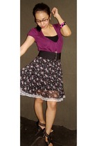 purple hollister blouse - black random brand top - black random brand shoes - bl